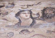 В античном городе Перге обнаружили уникальные мозаики.