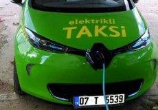 Электромобили такси в Стамбуле.