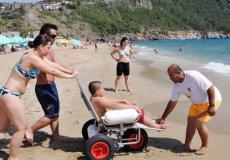 В Аланье открылся пляж для людей с ограниченными возможностями