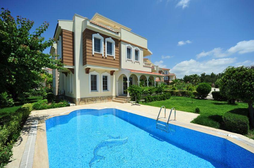 Villas with sea view in Alanya Incekum.