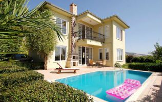 Роскошная вилла 3+1 с собственным бассейном в аренду, комплекс Gold city, Аланья