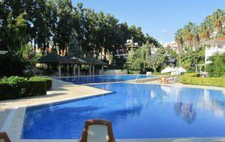 Красивая вилла с 4 спальнями в 50 м от Средиземного моря, Конаклы, Аланья