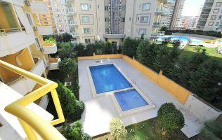 Недорогая квартира 1+1 в жилом комплексе Махмутлара, Аланья