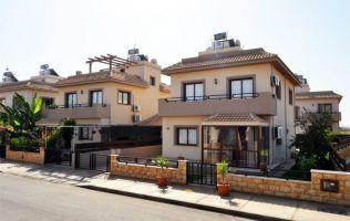 Большие светлые апартаменты в шикарном комплексе на берегу Средиземного моря, Фамагуста, Северный Кипр
