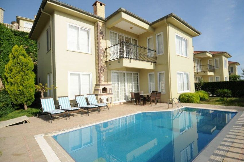 Furnished 3 + 1 villa with a swimming pool in a luxury complex Gold city, Kargicak, Alanya