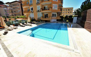 Квартира 2+1 в  жилом комплексе с бассейном, расположенном в самом центре Аланьи.