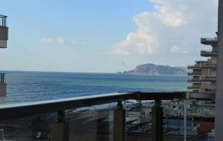 Роскошные апартаменты с видом на море и крепость Алании.