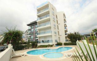 Меблированная квартира 1+1 в комплексе с бассейном в районе Оба, Аланья