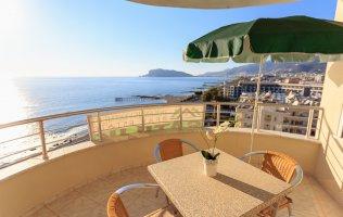 Квартира в Аланье 2+1 с мебелью и видом на море, р-н Тосмур