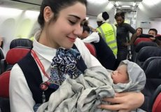 Стюардессы «Турецких авиалиний» снова приняли роды в воздухе