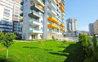 Продается светлая и просторная трехкомнатная квартира в Махмутларе