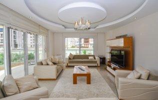 Просторная 3+1 квартира в Кестеле Алания в 150 м от моря