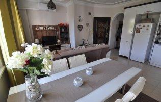 Двухкомнатная квартира с мебелью в центре Алании очень дешево!