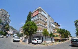 Недорогие апартаменты 3+1 с отдельной кухней в центре Аланьи
