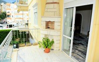 Двухкомнатная меблированная квартира в центре Алании