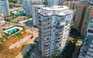 Трёхкомнатная квартира в современном комплексе Махмутлара в Алании