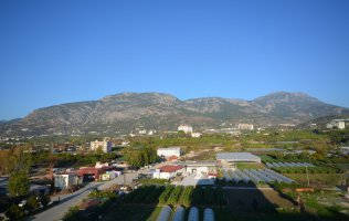 Недорогой пентхаус в Алании с видом на горы