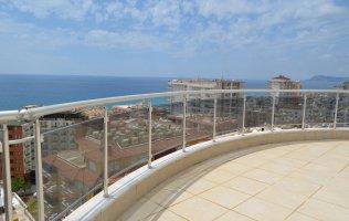 Просторный пентхаус в Алании с видом на Средиземное море