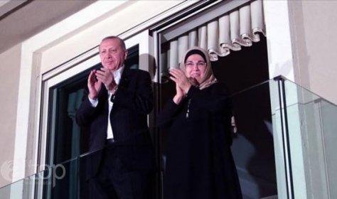 Турция во главе с президентом флешмобом поддерживает медиков