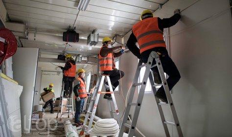 Новые госпитали для лечения людей с коронавирусом строятся в Стамбуле