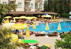 Продажа отеля 2200 м2, до моря 200 м в районе Оба, Аланья, Турция № 0458 – фото 1